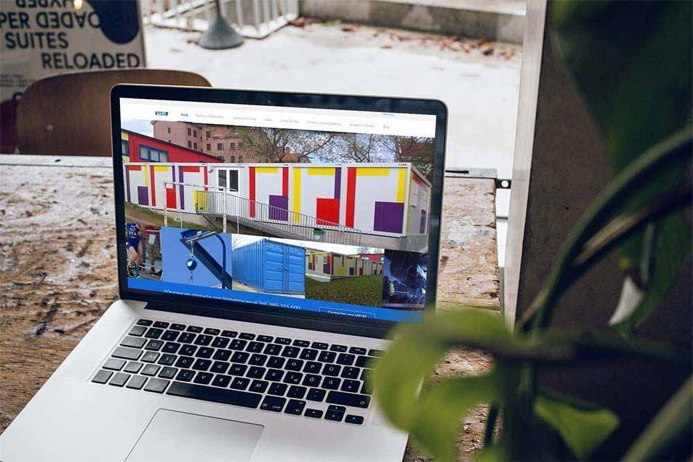 Diseño web VYCAS MacBook