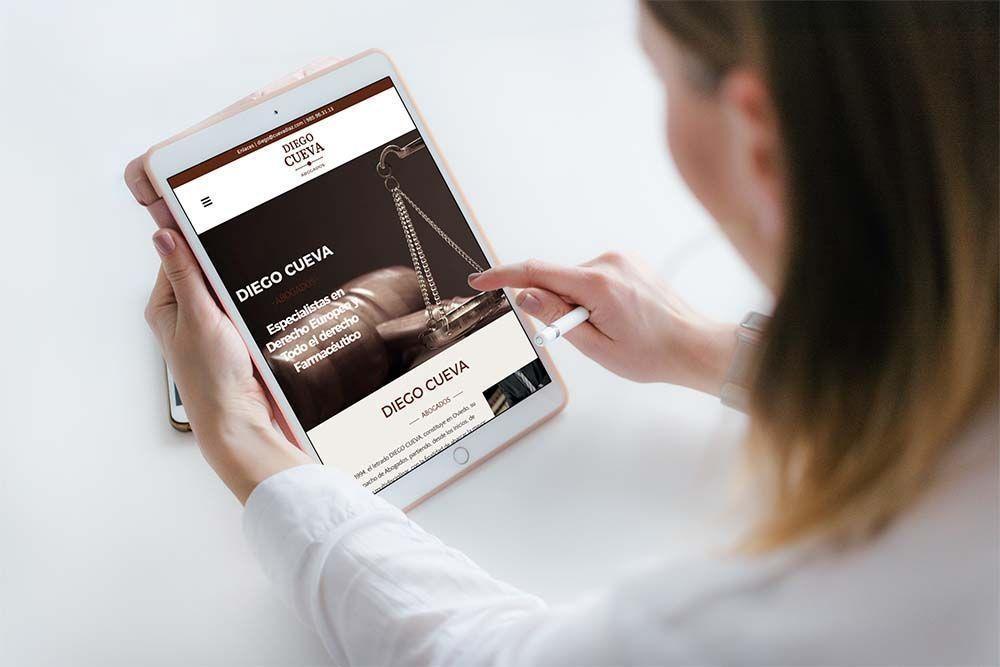 Diseño Web Abogados Cueva Diaz iPad