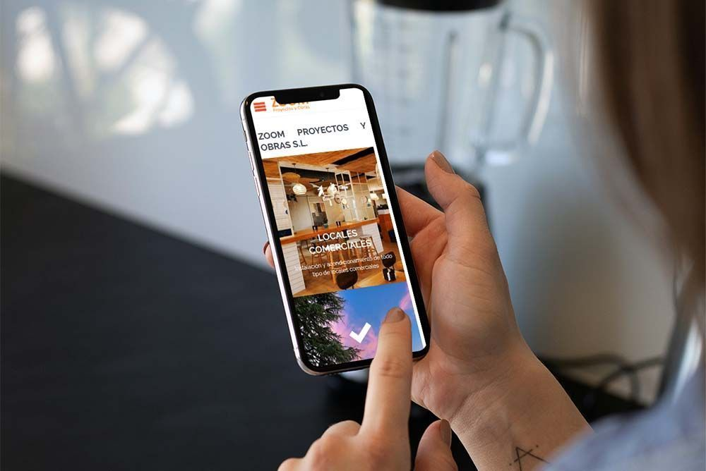 Diseño Web Zoom Proyectos y Obras iPhone