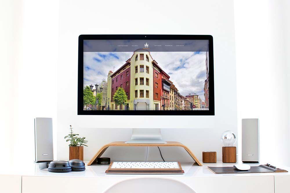 Diseño web hotel el Rosal iMac