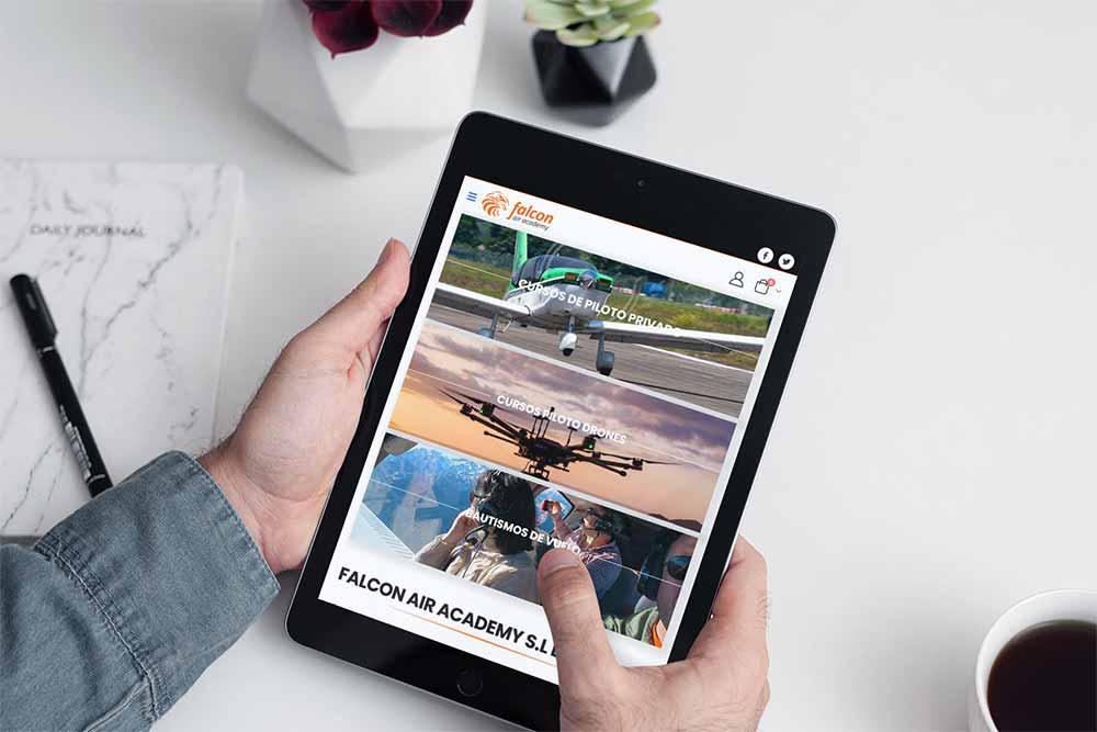Diseño Web Falcon Air Academy iPad